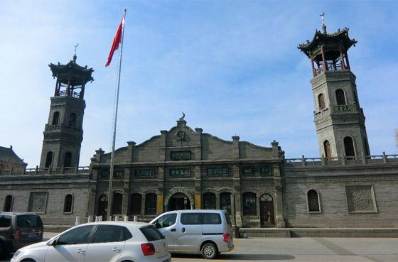 صورة رقم 11 - مسجد داتونج فى الصين.. مبنى رائع يدمج الفن المعماري الإسلامي باللمسات الصينية