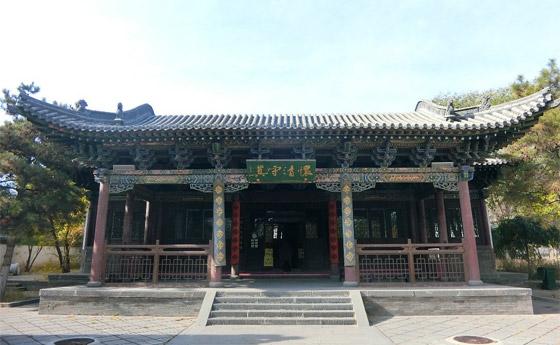 صورة رقم 12 - مسجد داتونج فى الصين.. مبنى رائع يدمج الفن المعماري الإسلامي باللمسات الصينية