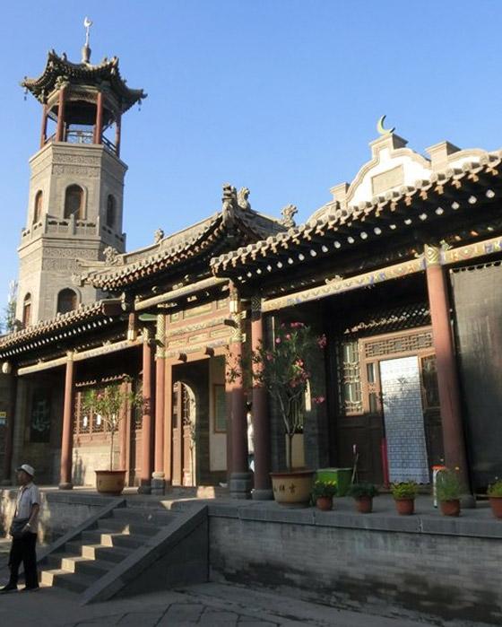 صورة رقم 15 - مسجد داتونج فى الصين.. مبنى رائع يدمج الفن المعماري الإسلامي باللمسات الصينية