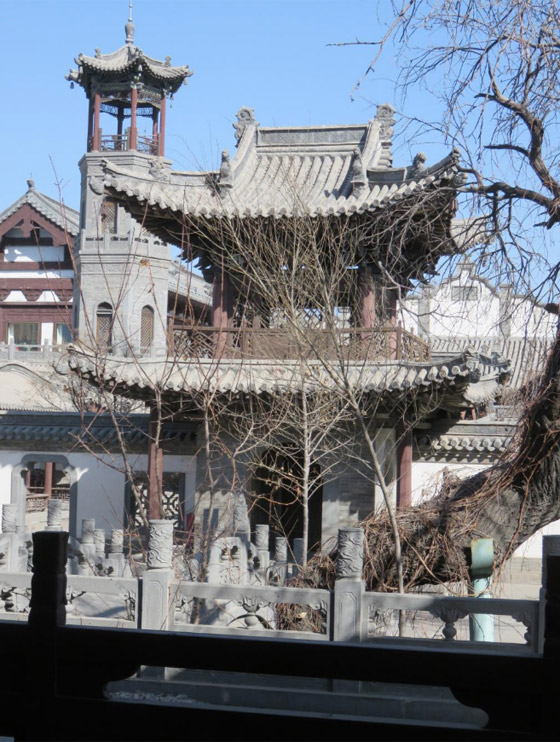 صورة رقم 18 - مسجد داتونج فى الصين.. مبنى رائع يدمج الفن المعماري الإسلامي باللمسات الصينية