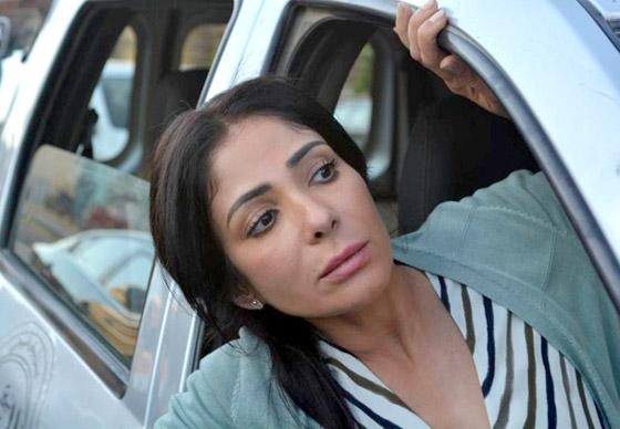 مخرج مصري يشيد بالنجمتين منى زكي وأمينة خليل ويقول لباقي الفنانات: تعلمن منهن! صورة رقم 2