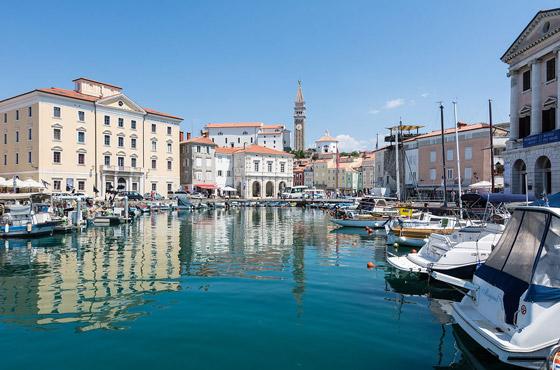صورة رقم 1 - من اليونان إلى إيطاليا.. شاهدوا جمال مدن تحمل طابع البندقية حول أوروبا