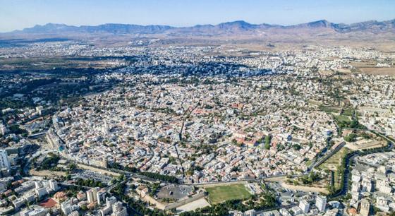 صورة رقم 7 - من اليونان إلى إيطاليا.. شاهدوا جمال مدن تحمل طابع البندقية حول أوروبا