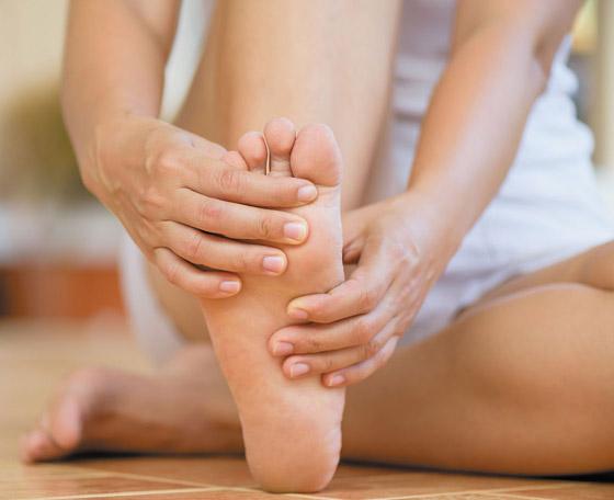 تشعر بالوخز والحرارة بأطرافك؟ إليك الأسباب الصحية لسخونة اليدين والقدمين صورة رقم 9