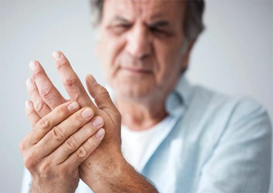 تشعر بالوخز والحرارة بأطرافك؟ إليك الأسباب الصحية لسخونة اليدين والقدمين صورة رقم 1