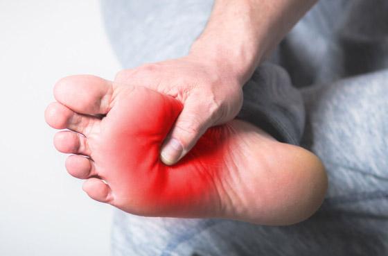 تشعر بالوخز والحرارة بأطرافك؟ إليك الأسباب الصحية لسخونة اليدين والقدمين صورة رقم 10