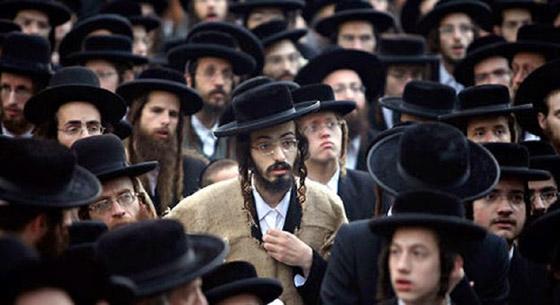 صورة رقم 2 - كاتب اسرائيلي يدعو الصهاينة للعودة الى بلادهم الاصلية