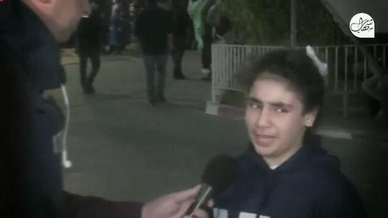 """صورة رقم 4 - """"نايمة جنب ماما وصحيت كل شي حولي رماد"""".. فيديو لطفلة تروي ما عاشته في قصف حي الرمال بغزة"""