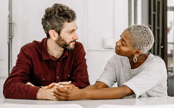 صورة رقم 3 - إليكم 11 محادثة يجب على الأزواج خوضها من أجل علاقة صحية مديدة