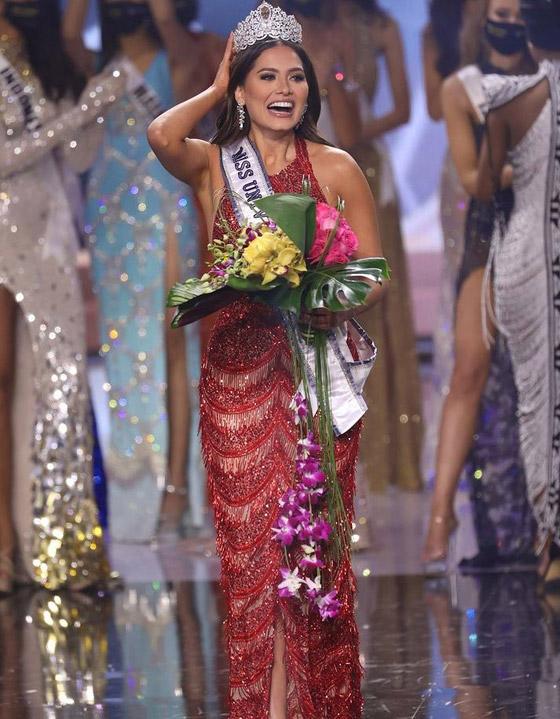 صورة رقم 11 - فيديو وصور: مكسيكية تفوز بلقب ملكة جمال الكون 2021
