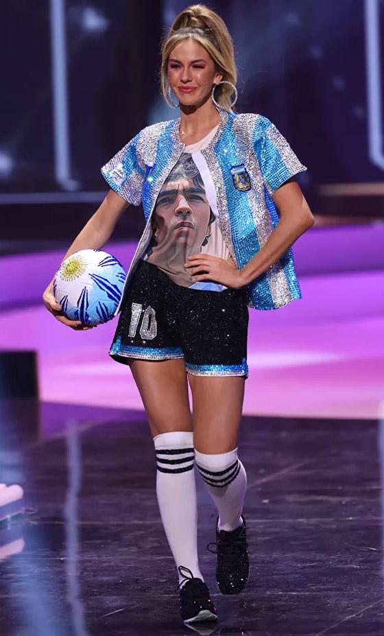 صورة رقم 3 - صور: أبهر وأجمل الأزياء الوطنية في مسابقة ملكة جمال الكون 2021