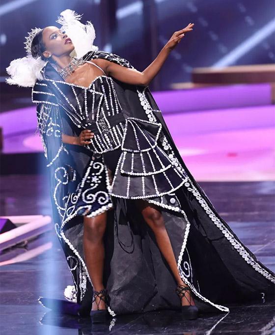 صورة رقم 14 - صور: أبهر وأجمل الأزياء الوطنية في مسابقة ملكة جمال الكون 2021
