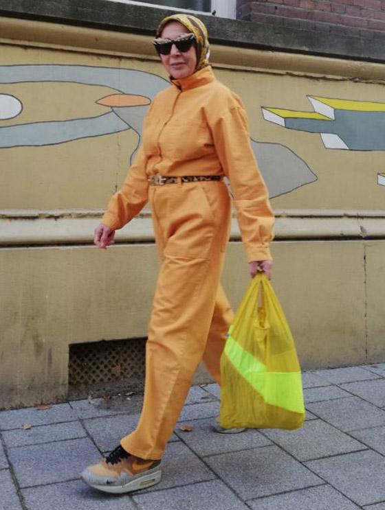 صورة رقم 2 - شابة مغربية تبدع وتحول والدتها المحجبة المصابة بسرطان الثدي لأيقونة موضة