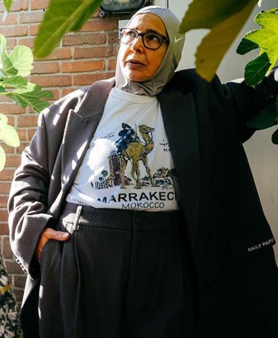 صورة رقم 20 - شابة مغربية تبدع وتحول والدتها المحجبة المصابة بسرطان الثدي لأيقونة موضة