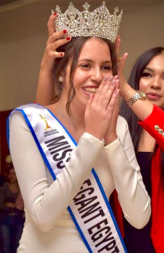 صورة رقم 1 - فيديو وصور: تتويج شدا حسام ابنة الـ17 عاما بلقب ملكة جمال الأناقة