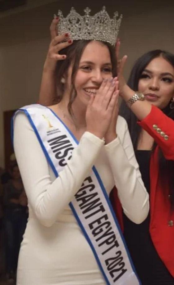 صورة رقم 8 - فيديو وصور: تتويج شدا حسام ابنة الـ17 عاما بلقب ملكة جمال الأناقة