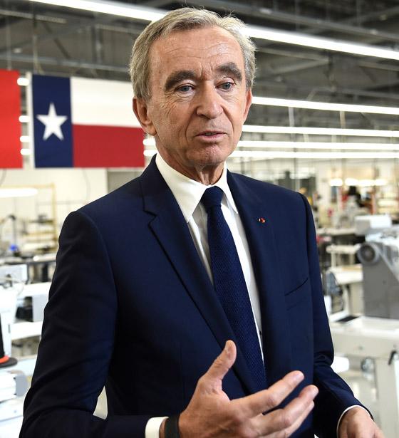 صورة رقم 5 - عملاق الأزياء الفرنسي يزيح جيف بيزوس ويصبح الأغنى في العالم