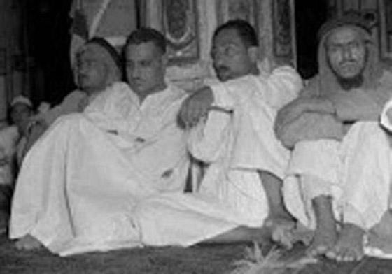 صورة رقم 6 - صور لم تراها من قبل لرؤساء مصر وهم يؤدون فريضة الحج