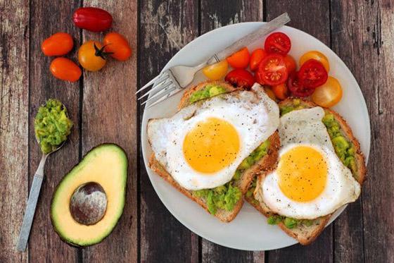 صورة رقم 2 - ما الأطعمة التي ينبغي تجنبها في وجبة الفطور؟