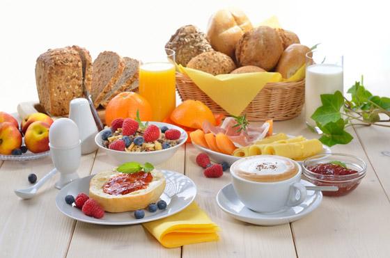 صورة رقم 1 - ما الأطعمة التي ينبغي تجنبها في وجبة الفطور؟