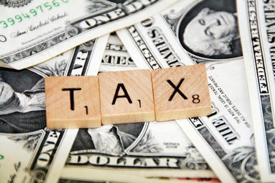 صورة رقم 3 - أغنى وأكبر أثرياء أمريكا يدفعون ضرائب دخل أقل من العاملين في البلاد