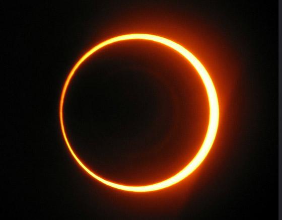صورة رقم 1 - كسوف الشمس سيضيئ حلقة من النار في السماء.. كيف يمكنكم مشاهدته؟