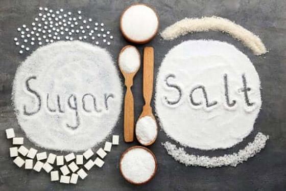 صورة رقم 1 - تعرف على أهمية إدراج الملح والسكر والبهارات في نظامك الغذائي