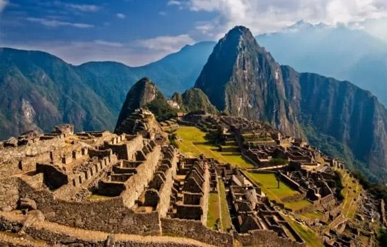 صورة رقم 10 - بالصور: تعرفوا إلى 10 من أفضل وأشهر آثار العالم المميزة