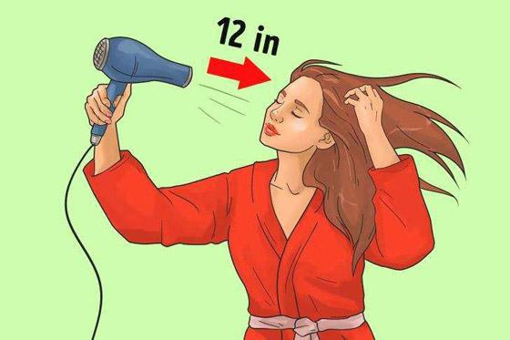 صورة رقم 6 - شد الشعر لأسفل.. وأخطاء ترتكبها النساء في تجفيف الشعر