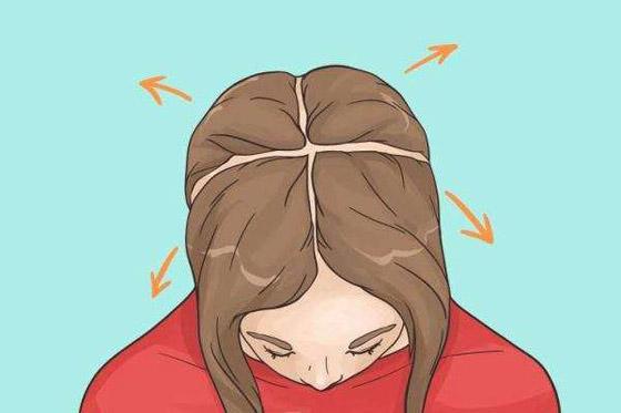 صورة رقم 4 - شد الشعر لأسفل.. وأخطاء ترتكبها النساء في تجفيف الشعر