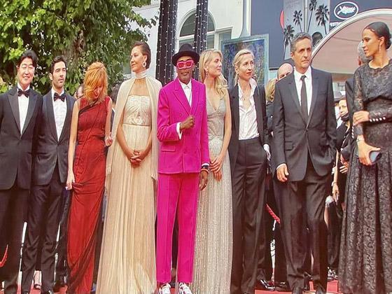 صورة رقم 2 - فساتين النجمات وحضور عربي مميز.. أبرز لقطات حفل افتتاح مهرجان كان