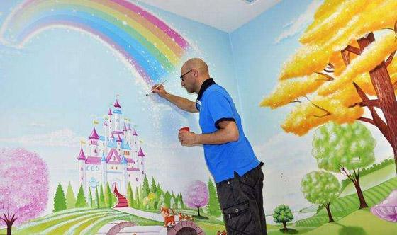 صورة رقم 6 - كيف حول فنان إيطالي مستشفى كئيبا إلى جنة للأطفال؟