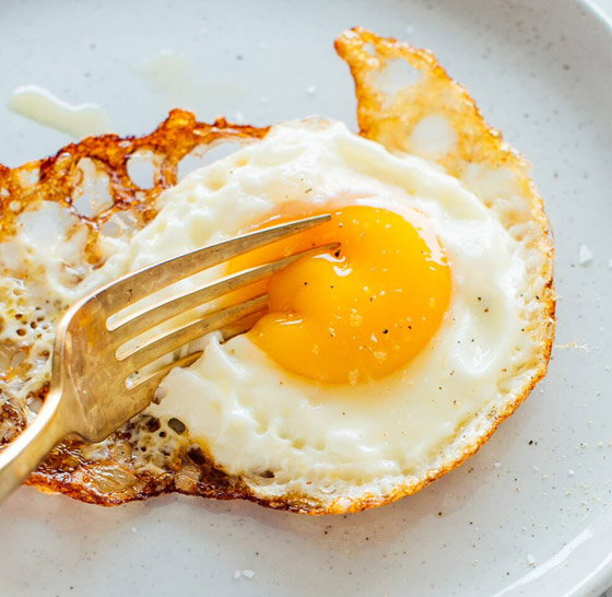صورة رقم 10 - لماذا يستحيل تحضير طبق البيض المثالي رغم سهولته؟ 13 خطأ شائعا وراء الأمر