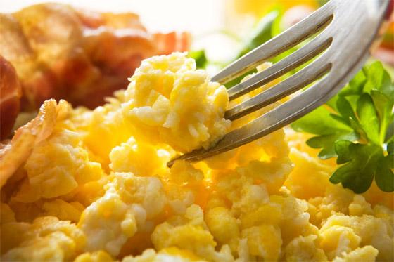 صورة رقم 5 - لماذا يستحيل تحضير طبق البيض المثالي رغم سهولته؟ 13 خطأ شائعا وراء الأمر