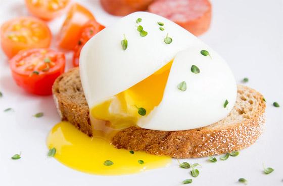 صورة رقم 6 - لماذا يستحيل تحضير طبق البيض المثالي رغم سهولته؟ 13 خطأ شائعا وراء الأمر