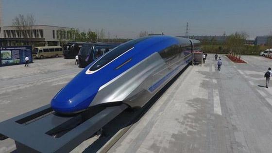 صور من الداخل.. الصين تصنع أسرع قطار مغناطيسي في العالم صورة رقم 1