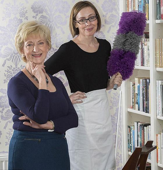 صورة رقم 4 - عاملة نظافة سابقة تكشف اسرارغرفة نوم الملكة اليزابيث!
