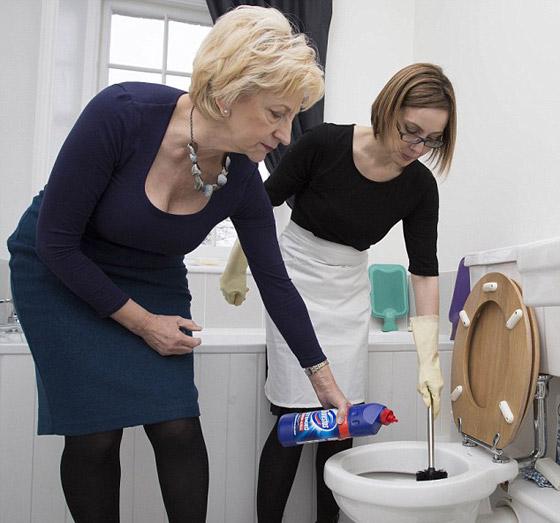 صورة رقم 5 - عاملة نظافة سابقة تكشف اسرارغرفة نوم الملكة اليزابيث!