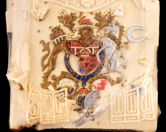 صورة رقم 4 - بعد مرور 40 عاما.. قطعة من كعكة زفاف الأمير تشارلز وديانا للبيع! صور