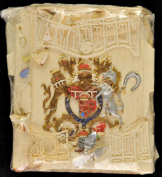 صورة رقم 1 - بعد مرور 40 عاما.. قطعة من كعكة زفاف الأمير تشارلز وديانا للبيع! صور