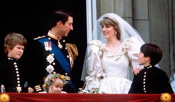 صورة رقم 8 - بعد مرور 40 عاما.. قطعة من كعكة زفاف الأمير تشارلز وديانا للبيع! صور