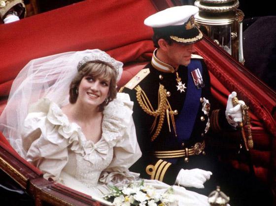 صورة رقم 9 - بعد مرور 40 عاما.. قطعة من كعكة زفاف الأمير تشارلز وديانا للبيع! صور