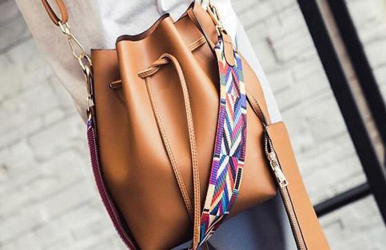 صورة رقم 4 - الحقيبة الدلو تتربع على عرش الموضة