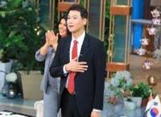 صورة رقم 13 - فيديو: السفير الكوري يفاجئ المصريين ويعزف أغنية