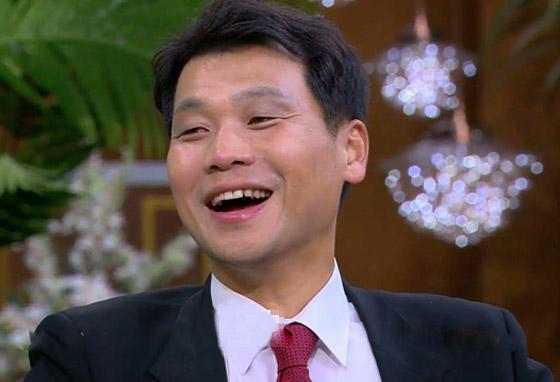 صورة رقم 8 - فيديو: السفير الكوري يفاجئ المصريين ويعزف أغنية