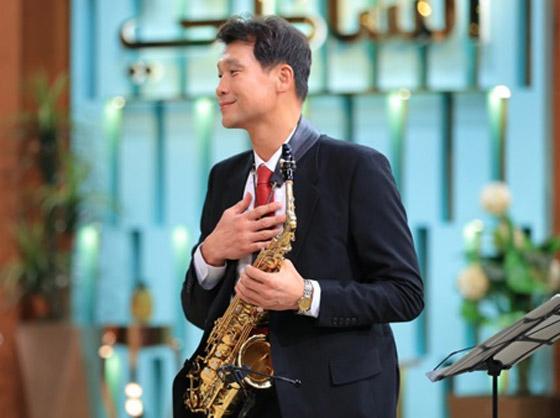 صورة رقم 11 - فيديو: السفير الكوري يفاجئ المصريين ويعزف أغنية