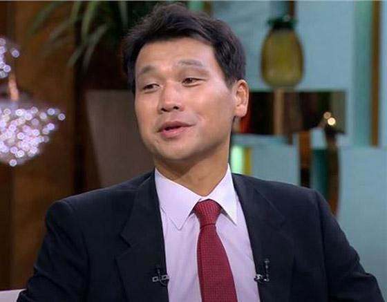 صورة رقم 12 - فيديو: السفير الكوري يفاجئ المصريين ويعزف أغنية