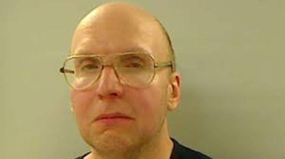 صورة رقم 1 - كريستوفر نايت.. الرجل الذي ظل صامتا 27 عاما