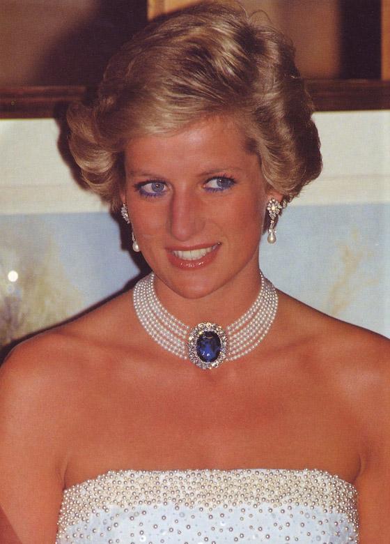 صورة رقم 4 - حكايات أجمل قطع الياقوت التي زينت إطلالات الأسرة المالكة عبر السنوات