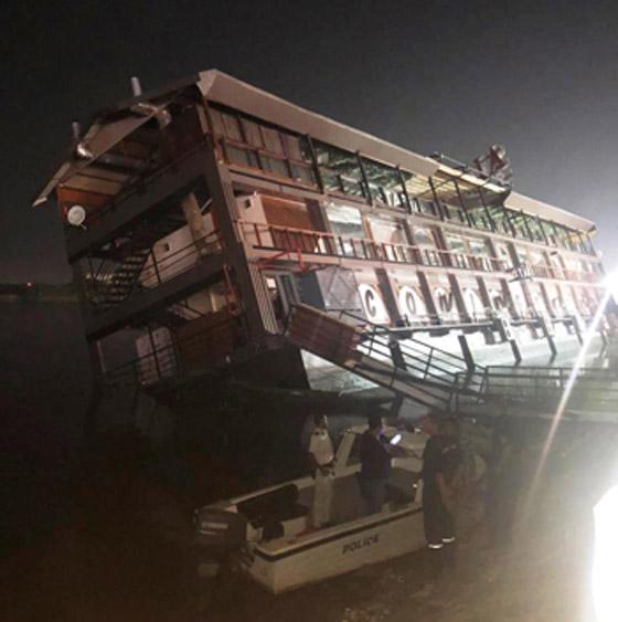 صورة رقم 4 - فيديو فاجعة المنصورة: غرق مركب عائم بالنيل أثناء تناول العشاء